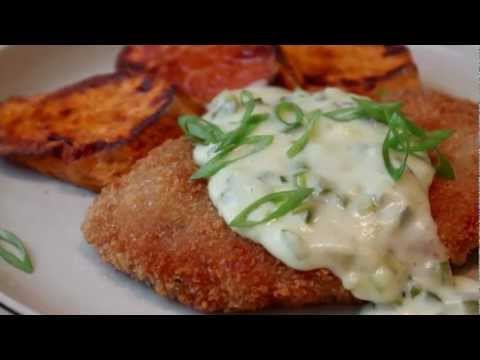 Crispy Pork Cutlets with Creamy Jalapeno Green Onion Gravy – Pork Schnitzel with Country Gravy