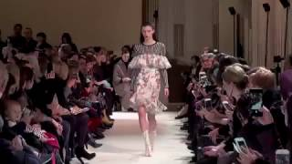 Giambattista Valli Paris Woman FW17-18