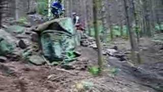 preview picture of video 'Wharncliffe Woods DH rock drop'