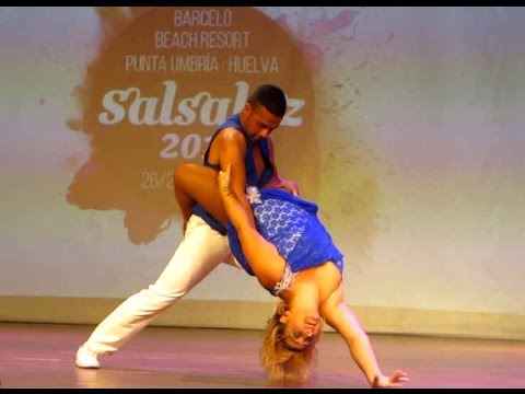 Adri & Celia SALSALUZ 2014