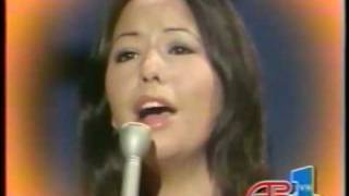 Yvonne Elliman - Love Me video