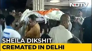 Sheila Dikshit Cremated In Delhi With State Honours, Hundreds At Funeral
