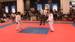 preview picture of video 'Shafeeq Shotokan Bn1 PGA FINAL Kumite'