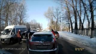 Драка водителей в Костроме