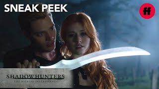 Shadowhunters | Season 1, Episode 3 Sneak Peek: Jace & Clary Train With Blade
