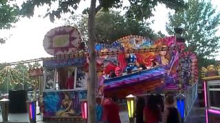preview picture of video 'Cazuela Loca en las Fiestas del Carmen 2013 de Vallecas-Entrevías ( Madrid ).'
