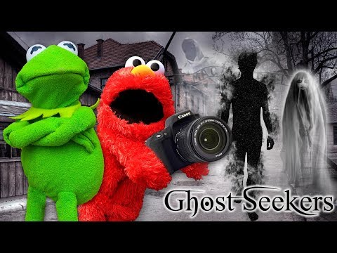 Kermit The Frog and Elmo Investigate a REAL Haunted Ghost Town!