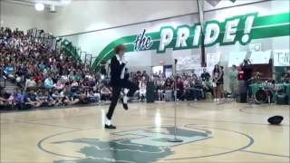 Teen Destroys Talent Show With Michael Jackson's 'Billie Jean' - Incredible Moonwalk