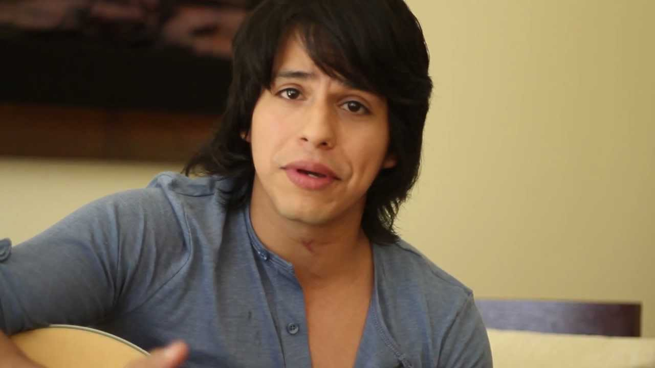 Miguel Avilés (singer and songwriter) - Interview
