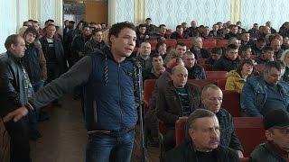 Бурштинокопачі вимагають від чиновників легалізувати видобуток сонячного каменю на Олевщині