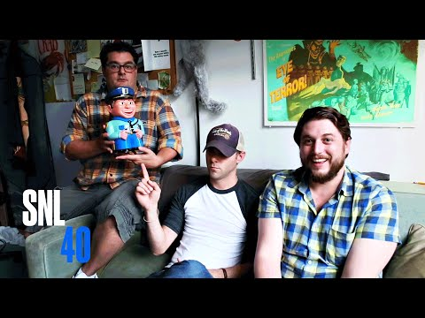Behind the Sketch: Hobbit Office - SNL