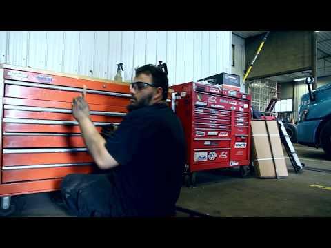 Mécanicien de camion lourd routier