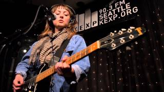 Angel Olsen - Lights Out (Live on KEXP)