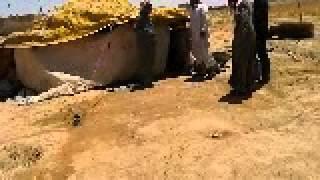 مازيكا عطايا رمضان . مقطع توثيقي حالة مأساوية لأسرة نازحة من قرية أم عامود ريف حلب الجنوبي تحميل MP3