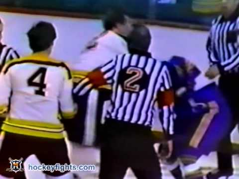 Wayne Cashman vs. Reg Fleming