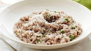 Giada De Laurentiis Makes Red Wine Risotto With Peas | Food Network