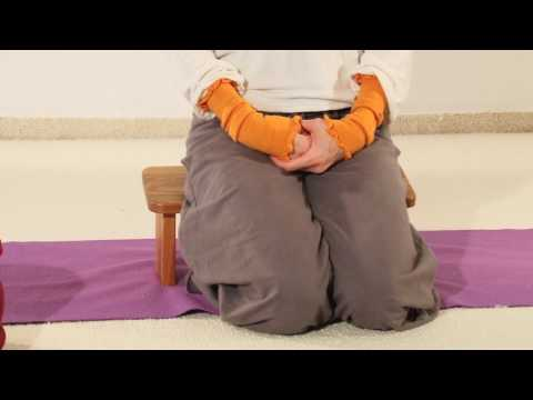 Sitzhaltungen, verschiedene Sitzhaltungen im Yoga - (Auszug aus einer Yoga Anfängerstunde)