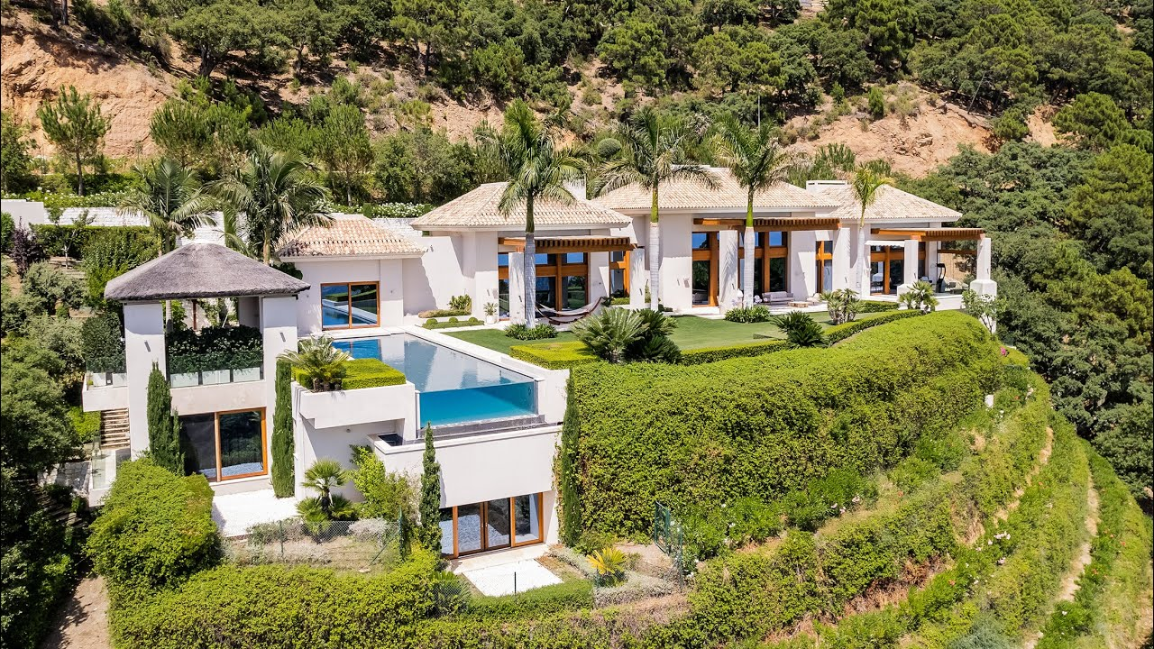 Stunning New Modern Mediterranean High-End Grand Villa in Glorious Zagaleta