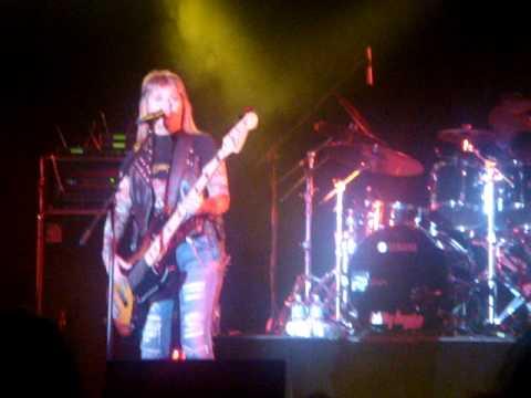 Suzi Quatro- I May Be Too Young (Live) 2009