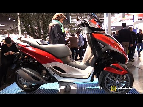 2015 Piaggio MP3 Yourban 300 - Walkaround - 2014 EICMA Milan Motorcycle Exhibition