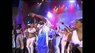 "Jay-Z, Beanie Sigel & Freeway ""Girls Girls GIrls/Roc The Mic"" Soul Train Awards Performance (2002)"