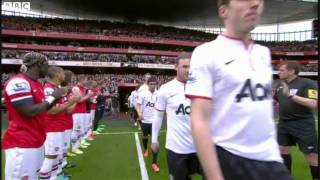 Arsenal give Man Utd guard of honour 2013