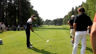preview picture of video 'Ian Poulter rips driver off the 12th tee at Wentworth'