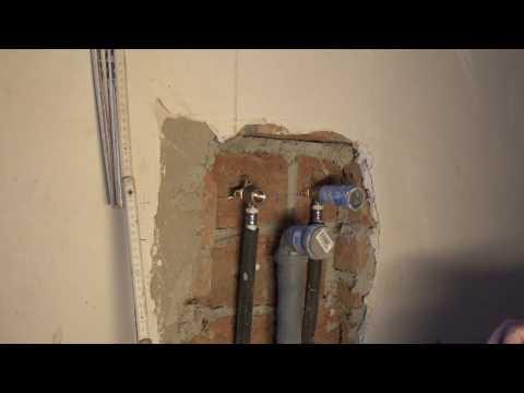 Wasseranschluss, Abwasserrohr für Spüle oder Waschbecken mit installieren