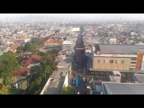 Pemandangan Kota Bandung dari Atas Menara Masjid Raya Bandung