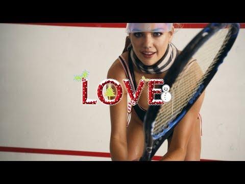 Kate Upton pelaa tennistä