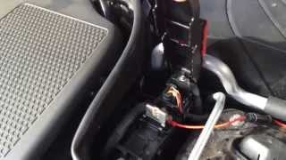 Explanation how to install an ABAX4-unit onto a Mercedes C Class.