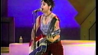 """4 Non Blondes """"Train"""" (Perry)"""