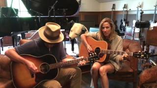 "Sheryl Crow & Jeff Trott - ""My Favorite Mistake"" - Live Acoustic Duo (24-07-2017)"