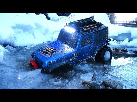 RC ADVENTURES -  STUCK IN THE ICE - BLUE BEAST JEEP 4X4 Radio Control Truck On The Winter Trail