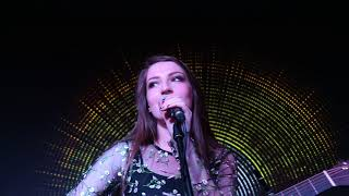 Gambar cover Catherine McGrath ~ Talk Of This Town ~ Live.