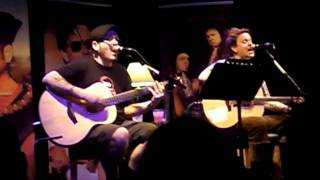 Bowling for Soup - I Don't Wish You Were Dead Anymore (acoustic) (1st April 2011 @ The Junction)