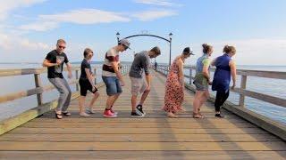 Смотреть онлайн Красиво снятый танцевальный ролик