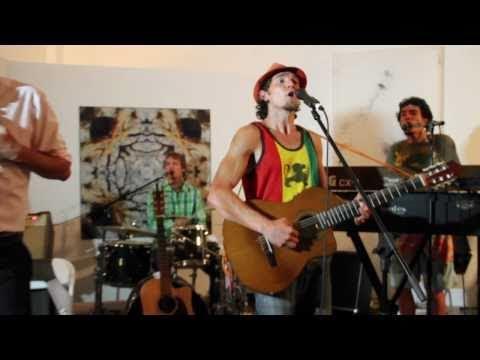 Luc & The Lovingtons f. Jason Mraz - Freedom Song