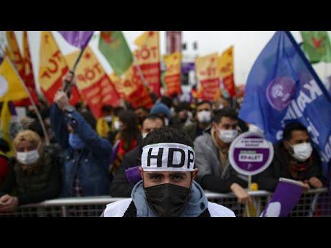 Τουρκία: Το Συνταγματικό Δικαστήριο αναμένεται να αρχίσει να εξετάζει το αίτημα να τεθεί εκτός νό…
