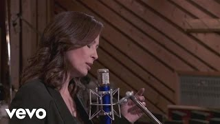 "Linda Eder – ""What's Never Been Done Before"" Video from Now 