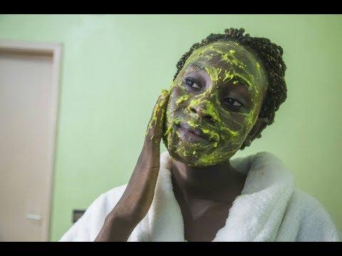 Les masques pour la personne et le corps avec le miel
