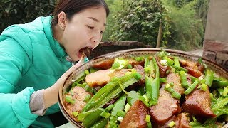 Light rain buys 6 pig noses and stir-fry with pepper