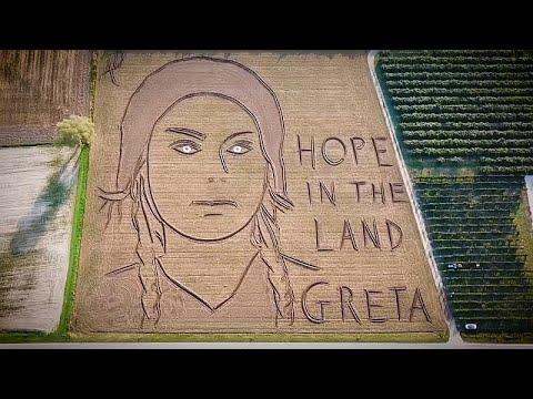 Ιταλία: Γιγαντιαίο πορτραίτο της Γκρέτα Τούνμπεργκ σε χωράφι…