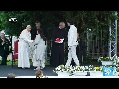 Rencontre avec les prêtres, leurs familles et les religieux