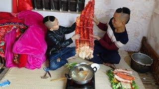 Lẩu Chân Cua Khổng Lồ - Thèm Rớt Rãi Với Món Ăn Đặc Biệt Này