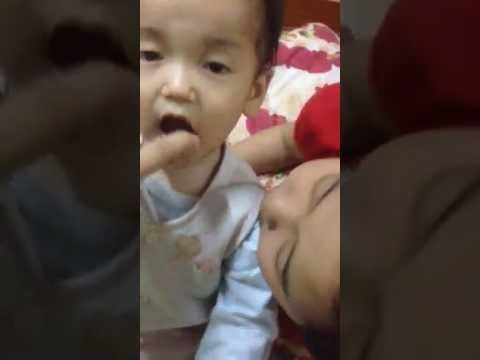 xịt họng ogic cho trẻ có tốt không
