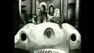 Gambar cover Queen - I Want To Break Free vs Radio Ga Ga Remix