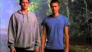One Tree Hill 1x06 - (Música: Dispatch - Headlights) (Caleb Morikam)