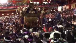 平成25年 神田祭り 江戸神社の( 市場本社神輿 宮入 )凄かったです。