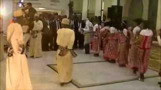 preview picture of video 'Danse traditionnelle comorienne à Fes (mars 2013)'